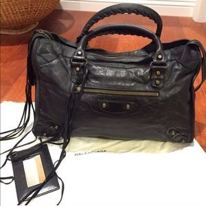 💯 Authentic Balenciaga City Black satchel